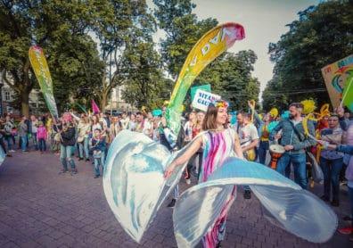 Lviv_Yoga_Day,_Барабанна_дефіліада